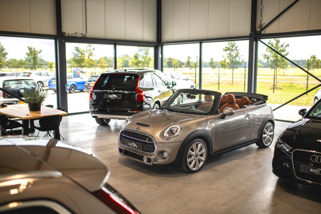 Met autolease lease jij jouw droomauto, bijvoorbeeld deze mini!